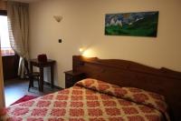 HOTEL DES ROSES ***